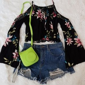 🌺🖤🍃 BLACK COLD SHOULDER BELL SLEEVE TOP 🍃🖤🌺